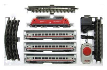 Стартовый набор пассажирского поезда Piko BR 101 с тремя пассажирскими вагонами