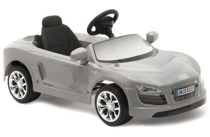 Электромобиль Audi R8 Spyder