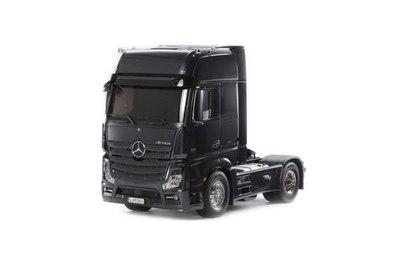 Радиоуправляемый тягач Tamiya Benz Actros (черный) 1:14 1:14