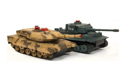 Танковый бой Huan Qi Tiger vs Leopard 2A5 1:32 40Mhz